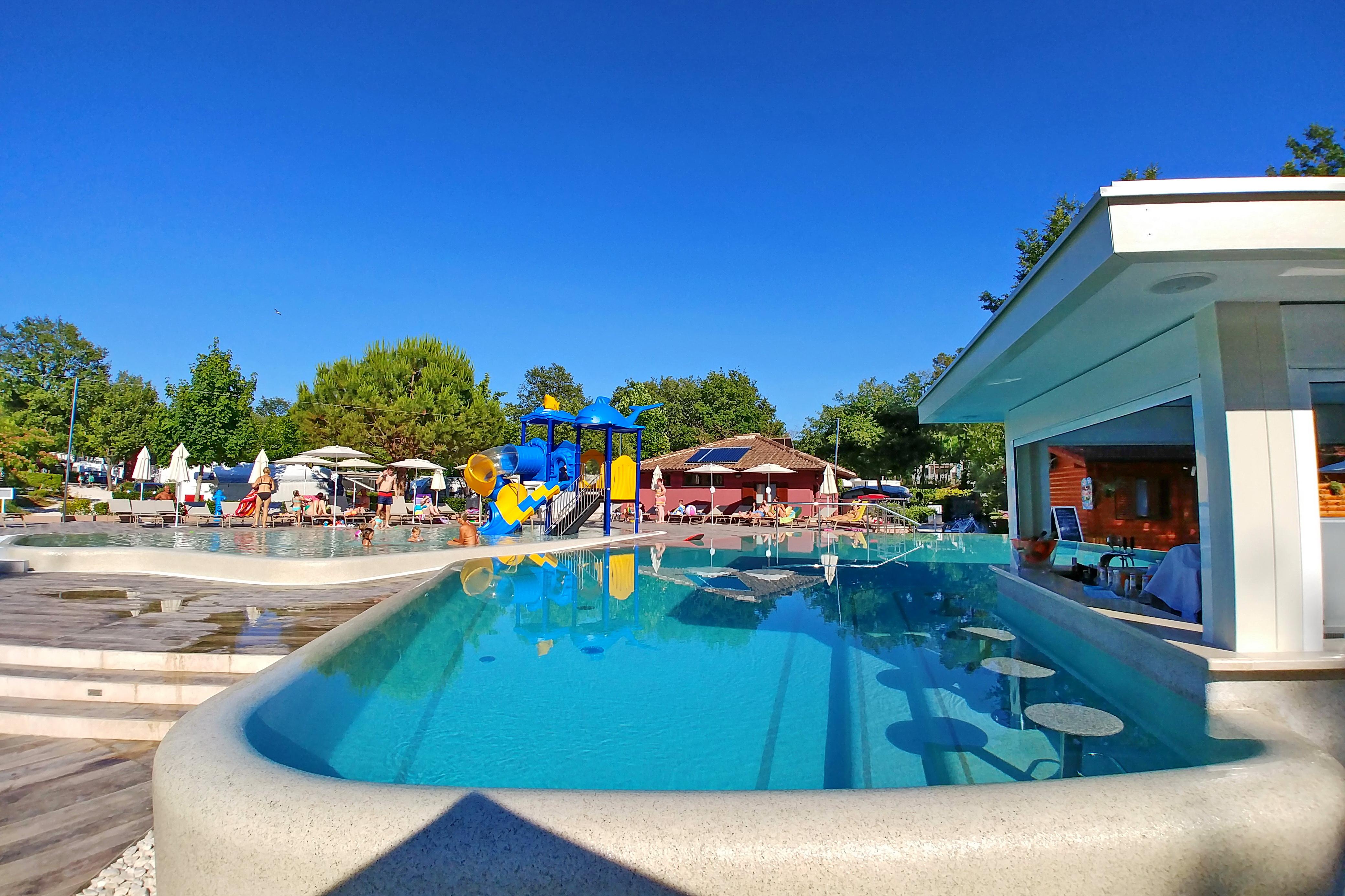 Schwimmbad   Funtana, Istrien, Kroatien